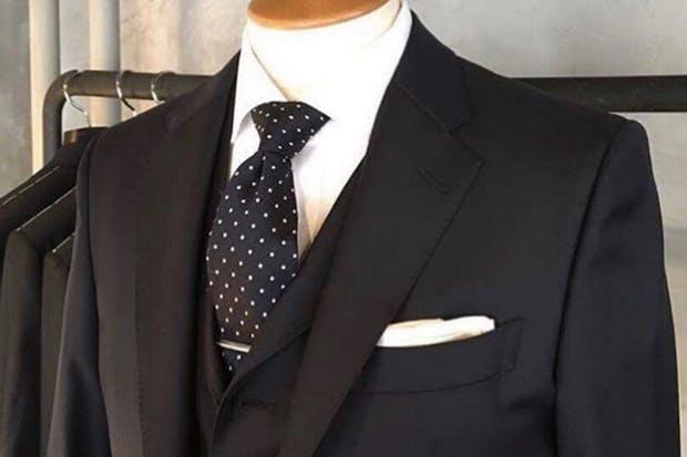 13934a28ade50 保険営業マンのための「スーツ」の知識